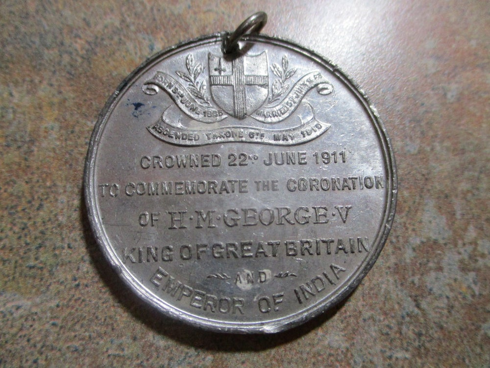 UK Royalty,  Another Medal, More Pewter-Like, of King George & Queen Mary #915