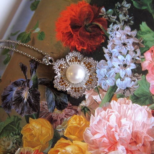 Image of Noeme pendant necklace
