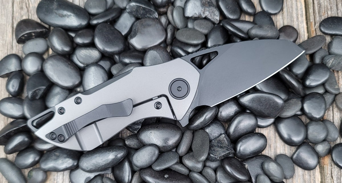 Image of Riverstone-Grey (dlc) frame with black (pvd dlc) accents and blade