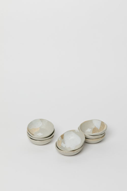 Image of Little spice / salt dishes - Beige with white flowers
