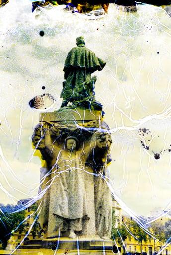 Image of LAYERS | STATUTS-STATUES, Maréchal Gallieni #1 PHOTO d'ANNA KATHARINA SCHEIDEGGER