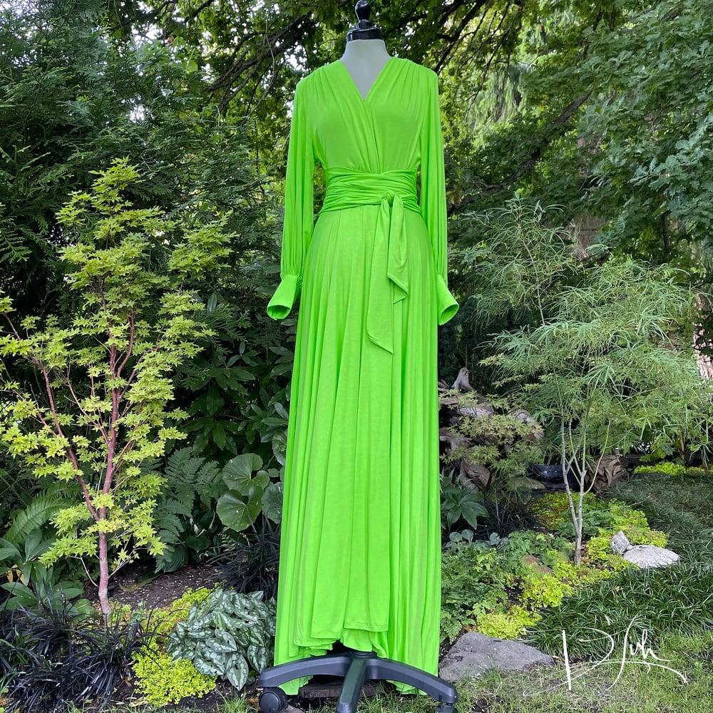"Image of Green Apple ""Bev"" Dressing Gown"