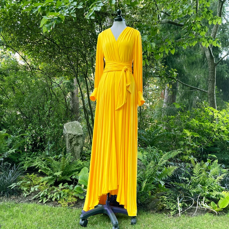 """Image of Yellow """"Bev"""" Dressing Gown"""