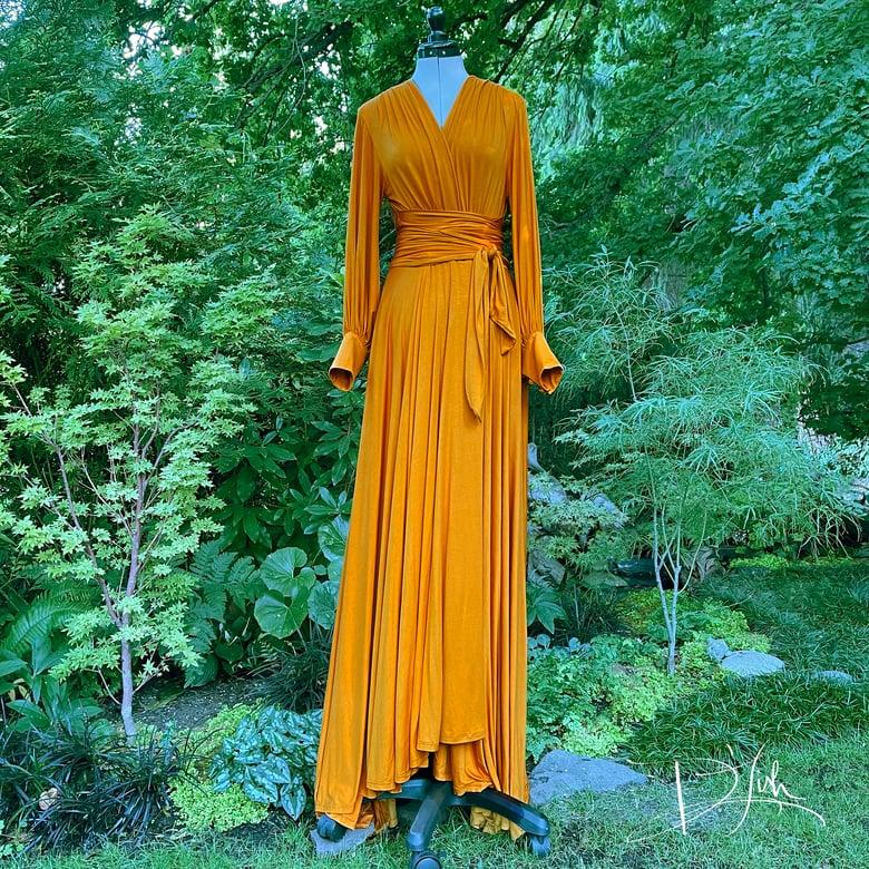 "Image of Deep Sun ""Bev"" Dressing Gown"