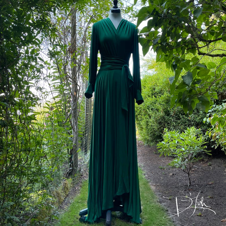 """Image of Deep Green """"Bev"""" Dressing Gown"""
