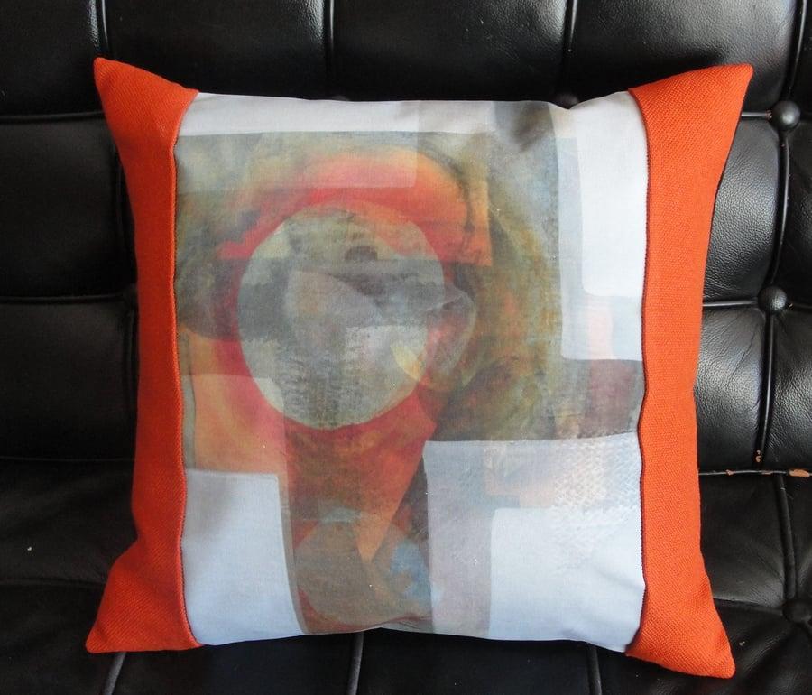 Image of 'Receding' cushion