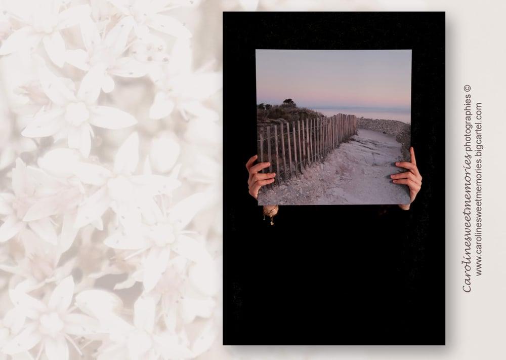 Image of Le petit chemin vers la mer | TIRAGE PHOTO
