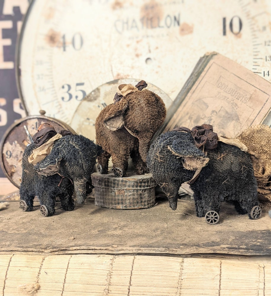 """Image of 3.5""""  Old Worn Vintage Style Black Stubble Mohair Elephant Pull Toy by Whendi's Bears.."""