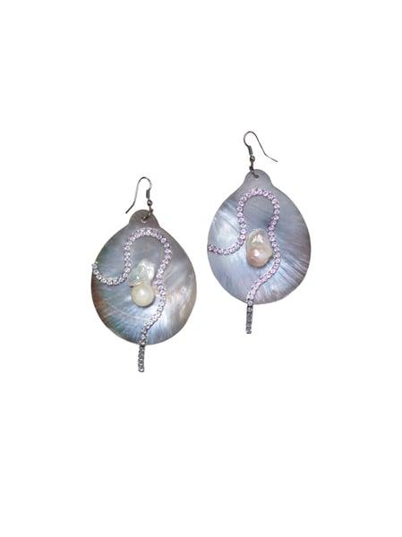 Image of Medium Marimar Baroque Pearl Earrings