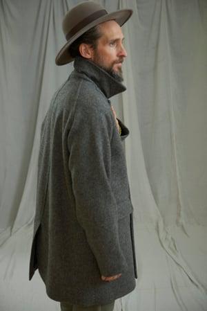 Image of VILLAGER RAGLAN WOOL SHORT COAT - GREY