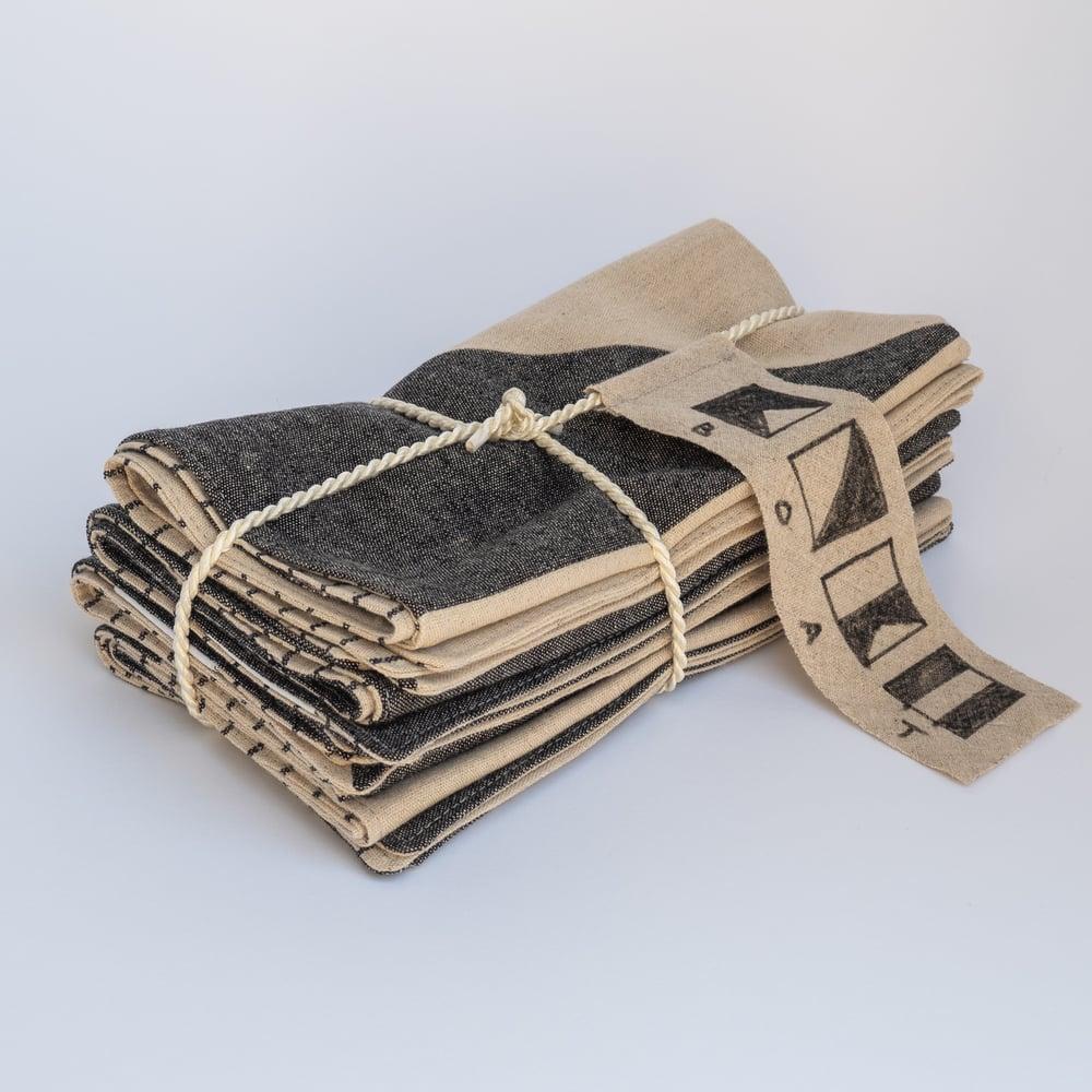 Image of BOAT Napkin Set - Japanese Linen (Black/Natural)