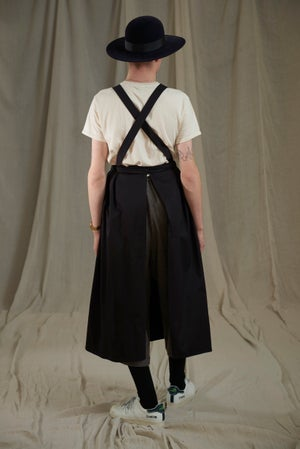 Image of WORKHOUSE APRON - NAVY