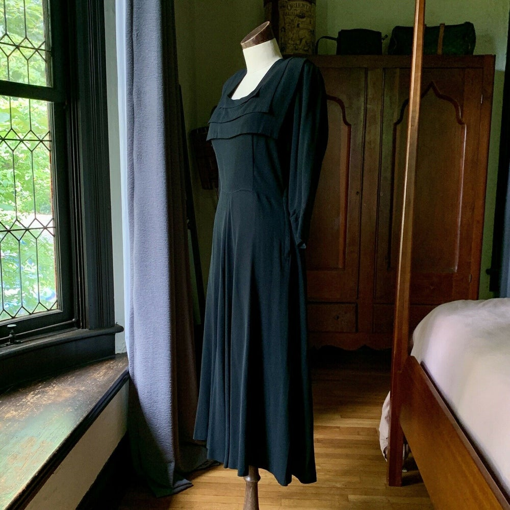 ELINOR GAY Crepe Rayon Dress Medium