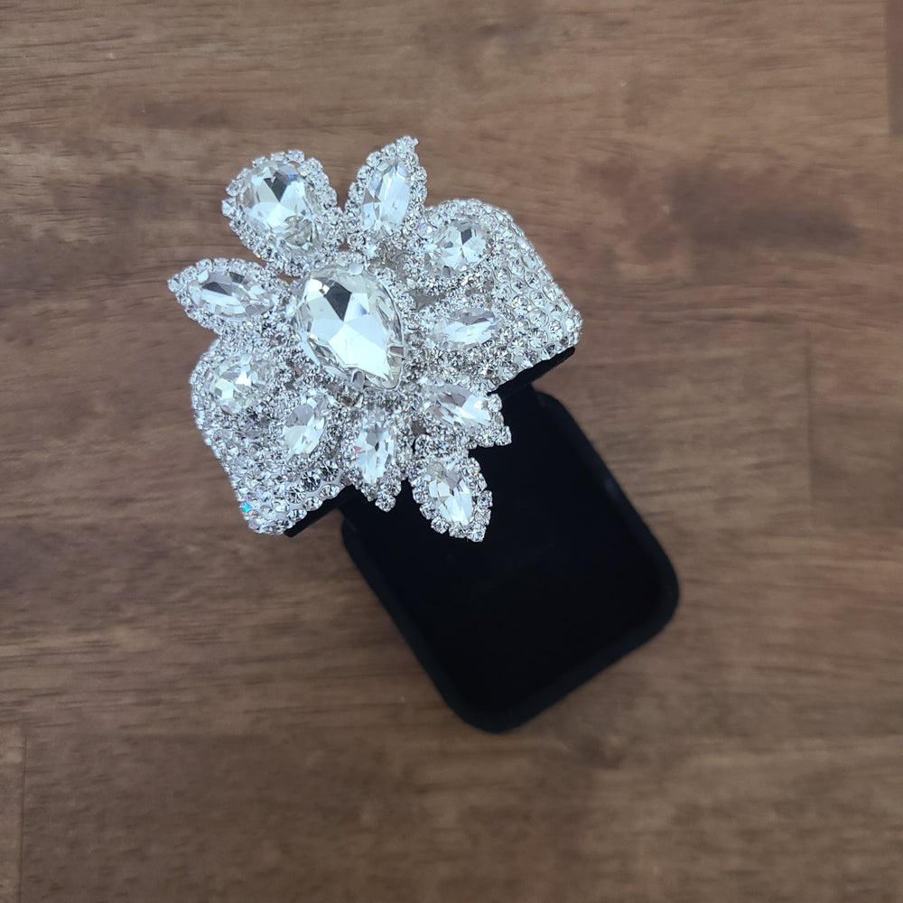 Velvet with a Twist Ring Box
