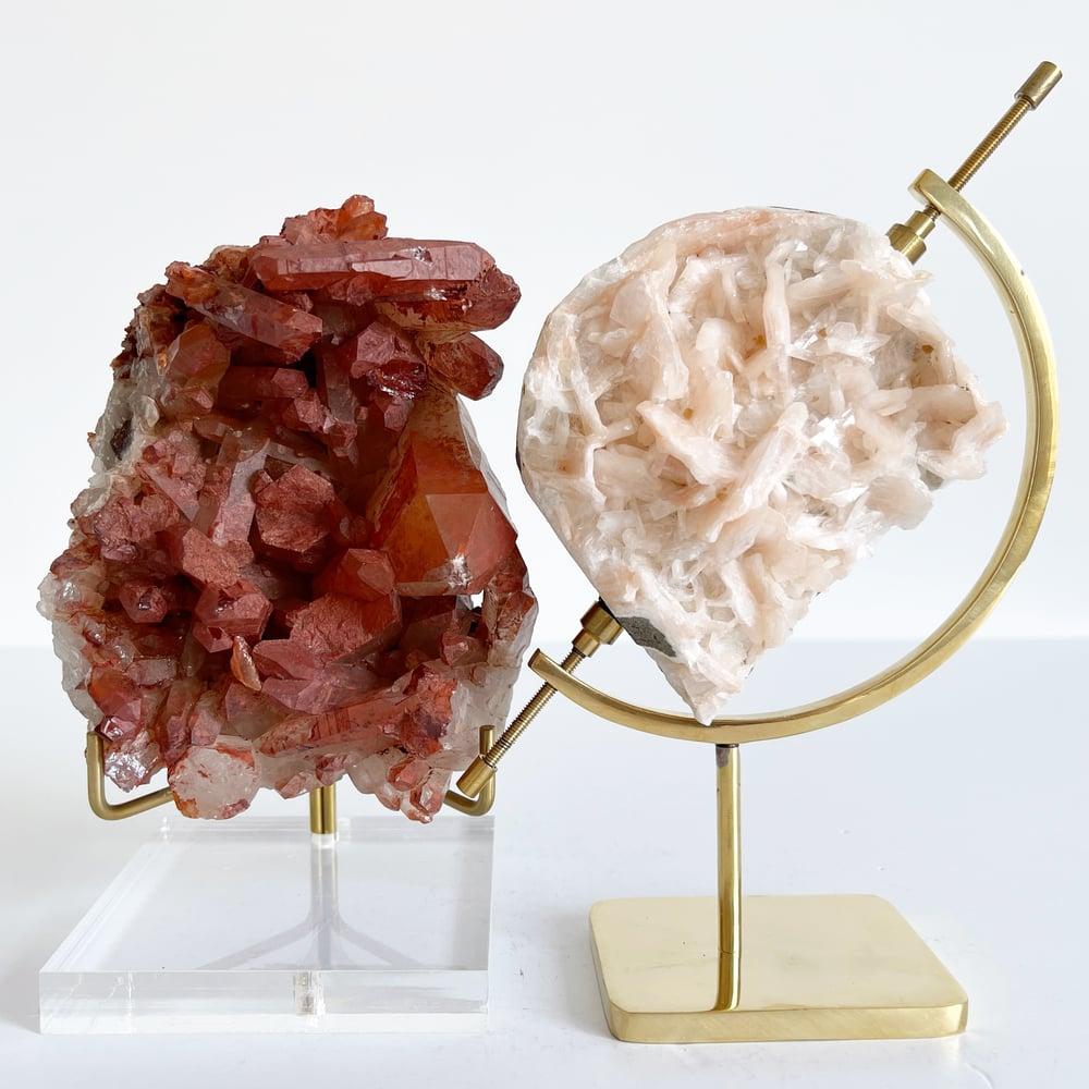 Image of Hematite Quartz no.96 + Lucite and Brass Stand