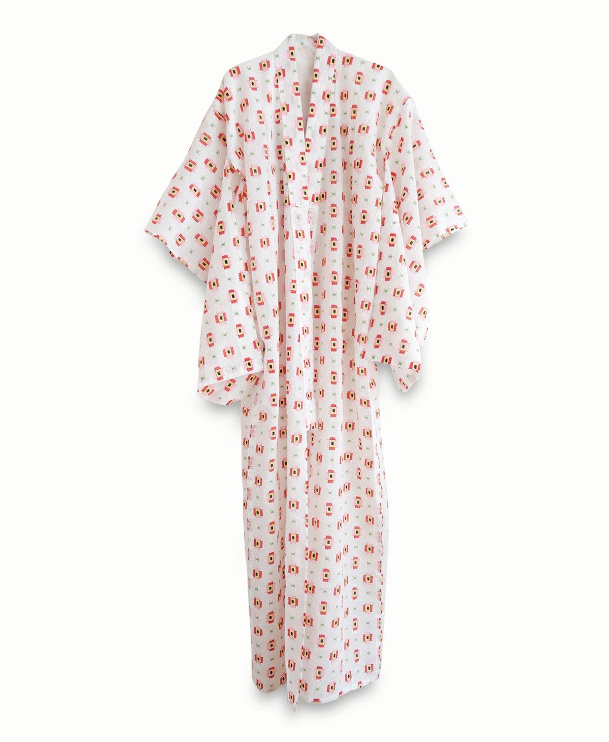 Image of Hvid kimono med tegnede motiver