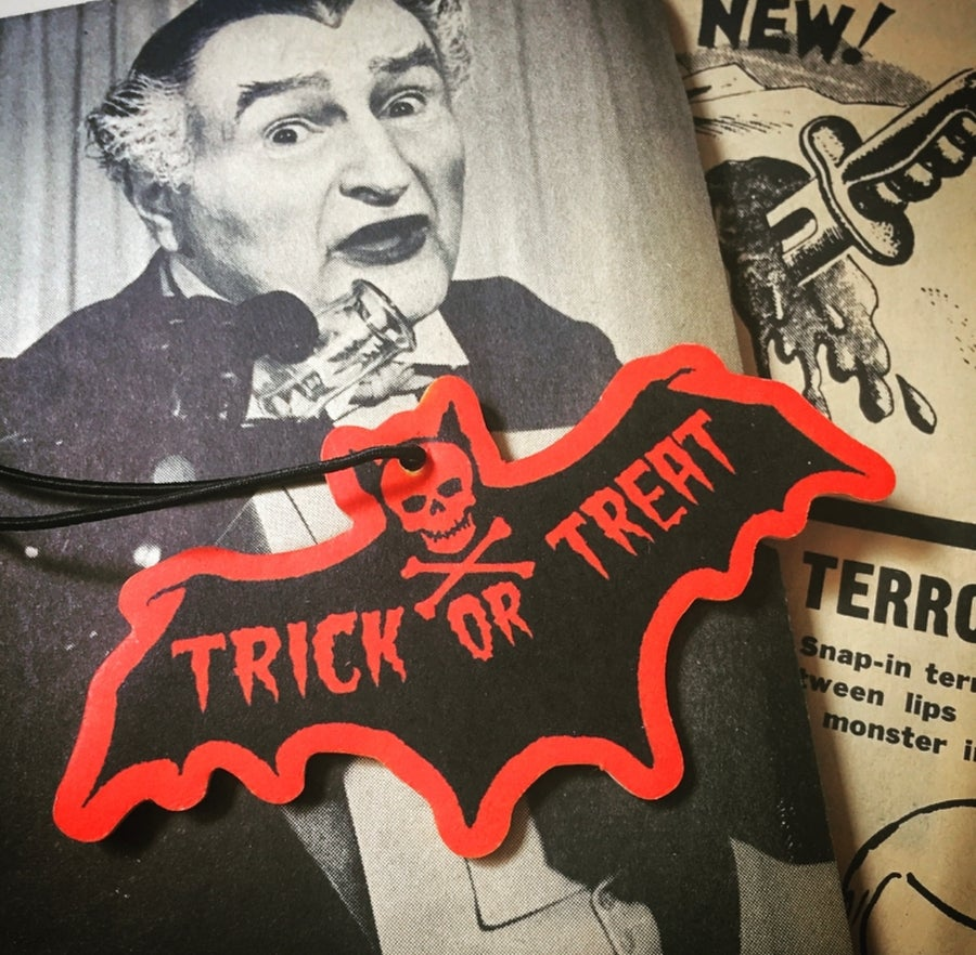 Image of TRICK OR TREAT BAT - scare freshner