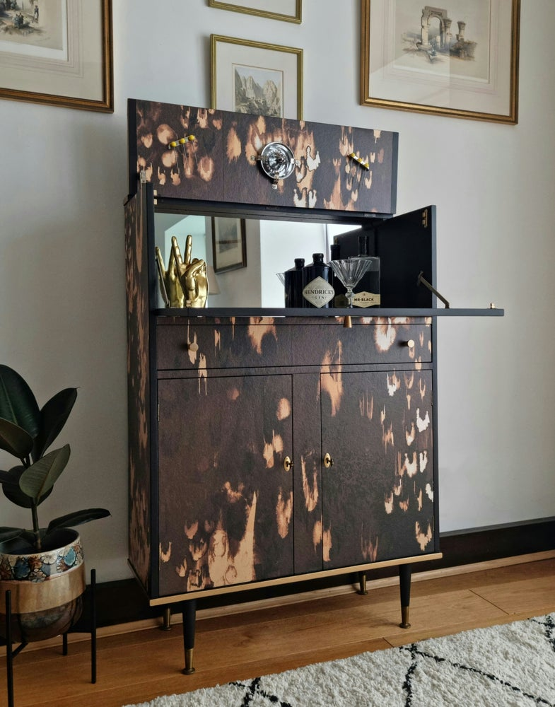 Image of MIRRORED COCKTAIL CABINET WITH ABSTRACT LEOPARD PRINT