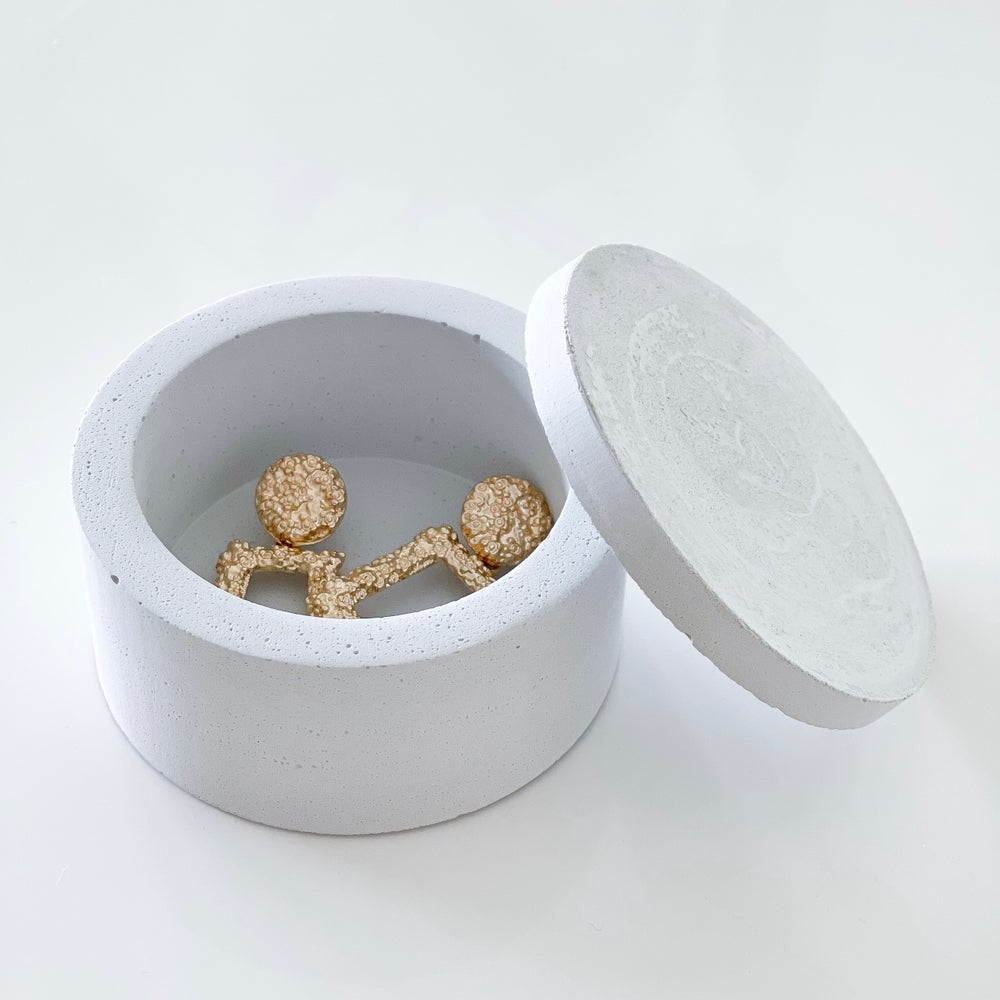 Image of Concrete Canister