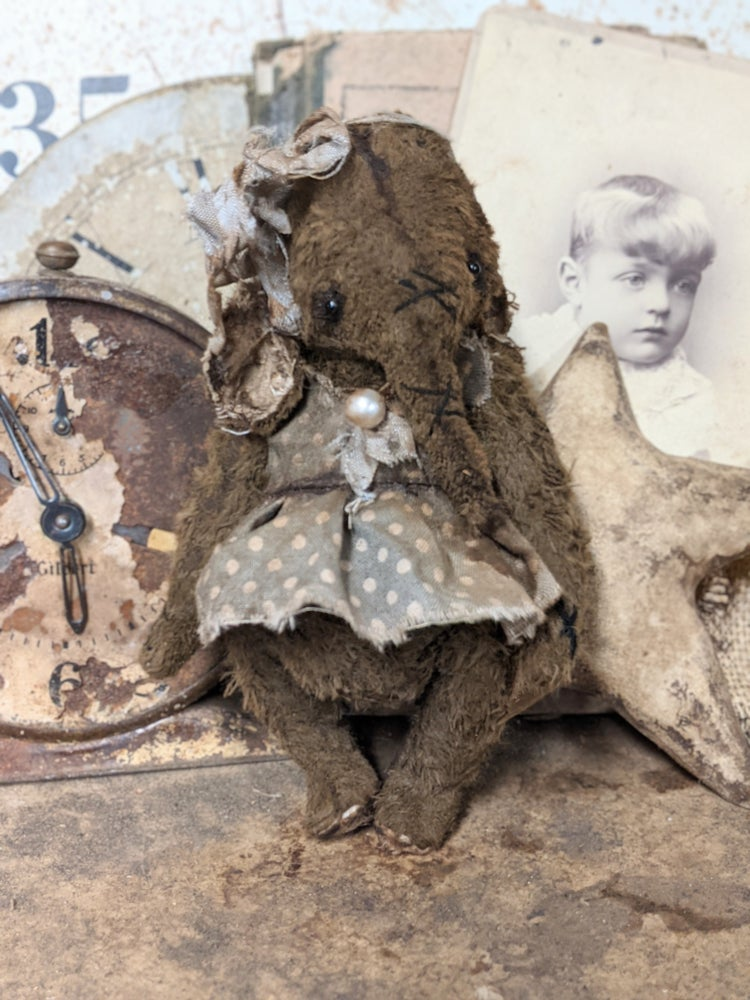 """Image of 6.5"""" - Old Vintage style Girl Elephant in polka dot dress by Whendi's Bears"""