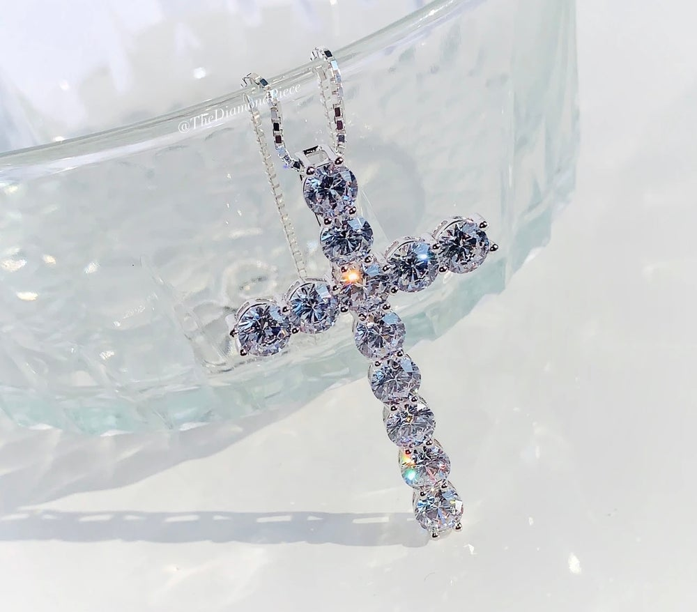 Image of Luxe Cross