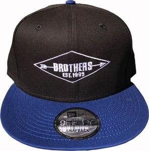 """Image of BROTHERS BOARDS """"ESTABLISHED"""" NEW ERA HAT BLK/BLUE"""