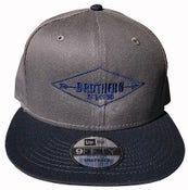 """Image of BROTHERS BOARDS """"ESTABLISHED"""" NEW ERA HAT GRAY/BLUE"""
