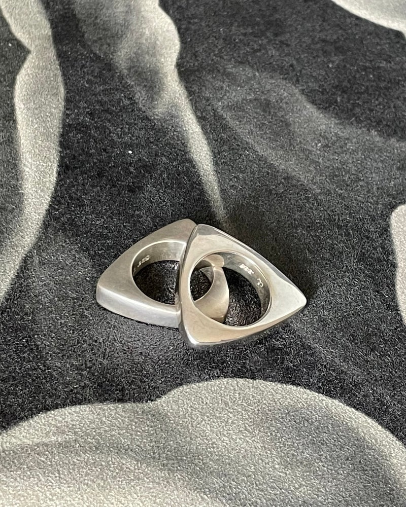 Image of Piano Triangle Ring