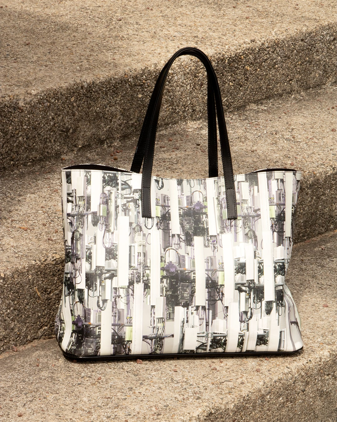 Image of 5G Leather Tote