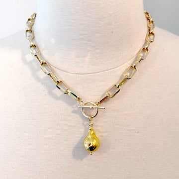 Image of Gold Pearl Necklace