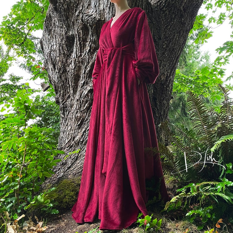 """Image of (One More Glass of) Wine """"Felicia"""" Supreme Dressing Gown"""