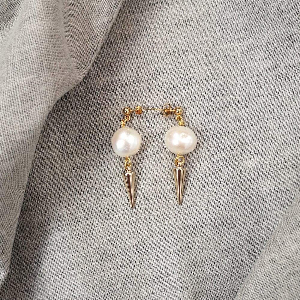 Image of FREYA earrings
