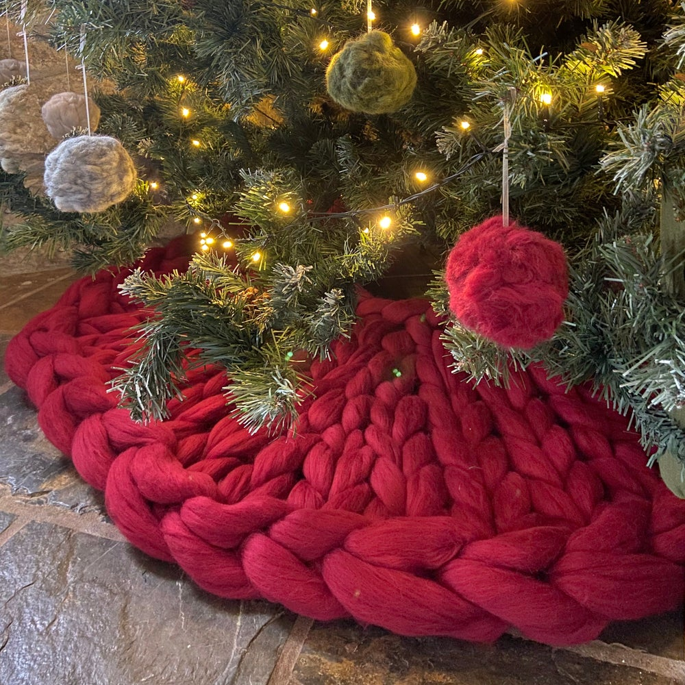 Image of Christmas tree skirt