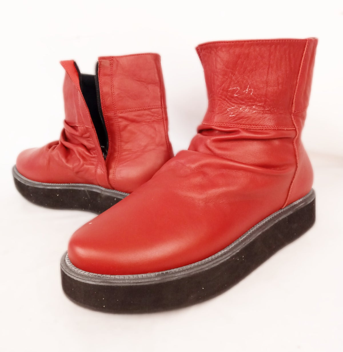Image of #18 - B Grade from Stock - Shoe Size EU 42
