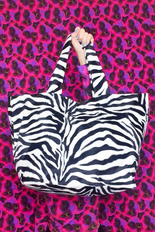 Image of Zebra Giga Purse