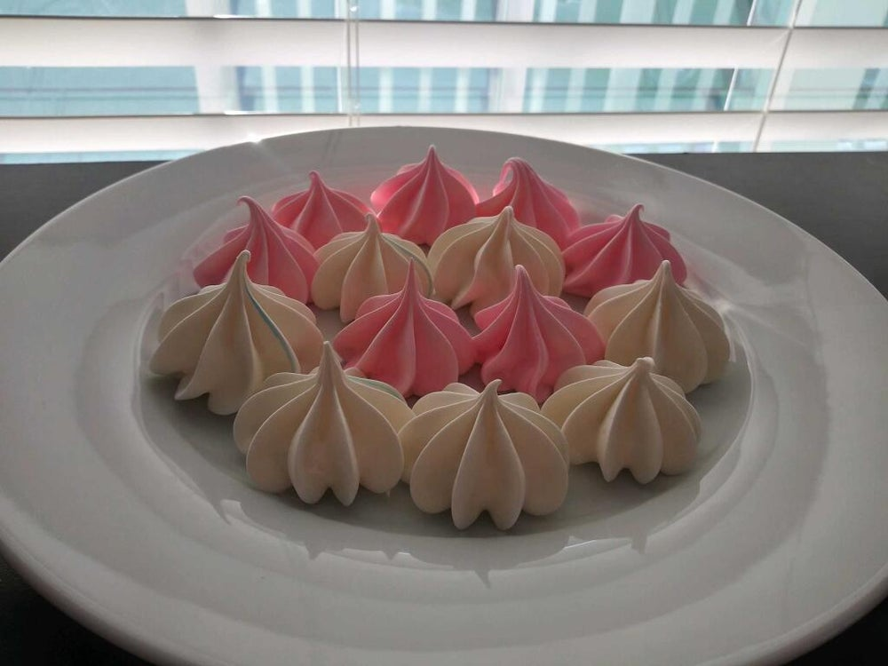Image of Meringue Kisses Cookies -1 dozen white