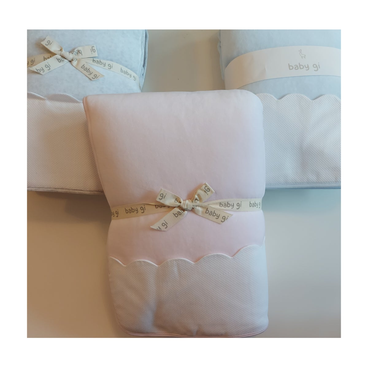 Image of Baby Gi Velour Blanket with pique