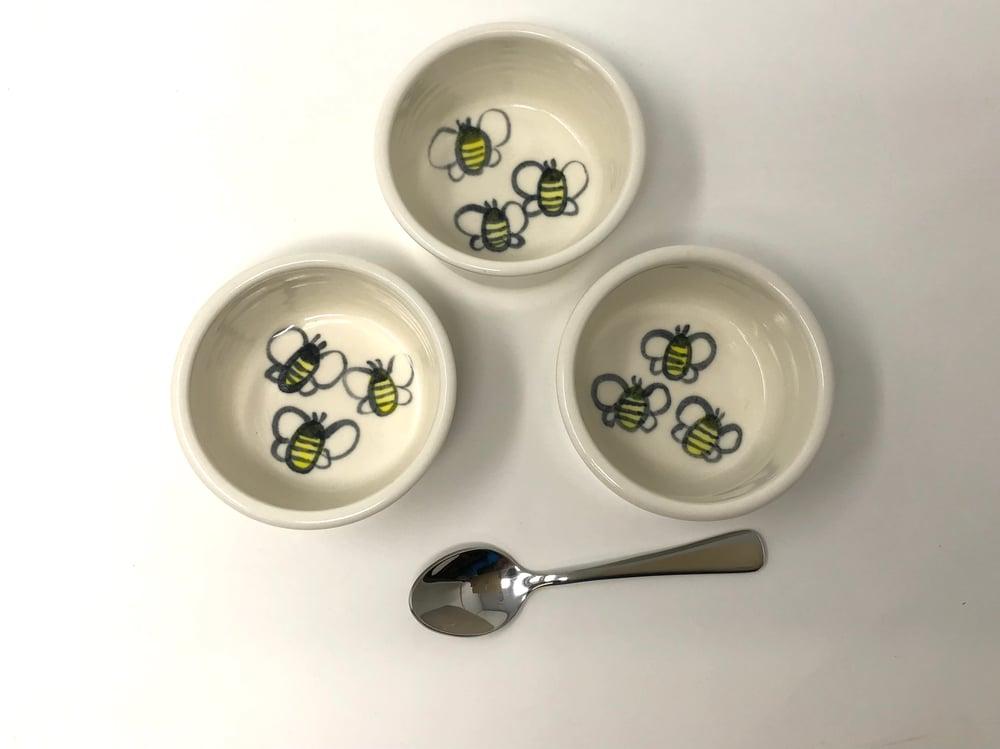 Image of Bee decorated Ramekin