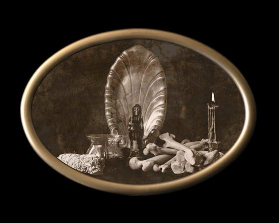 Image of 'Sanctus Mortem' in Antique Bubble Glass Frame