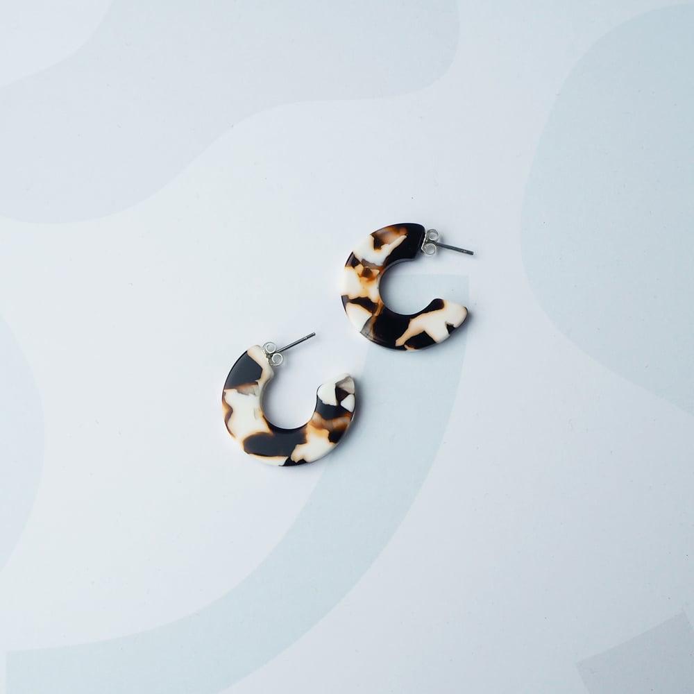 Image of *NEW* Umber Mini Hoop Earrings