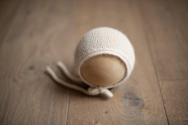 Image of Bonnet 16