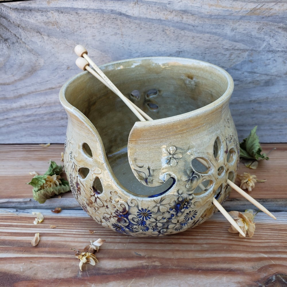 Image of Yarn Bowl for Your Wool - Mountain Flower Honey 10/21