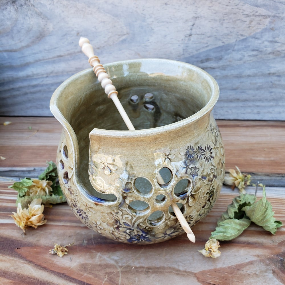 Image of Small Yarn Bowl for Your Wool - Mountain Flower Honey 10/21