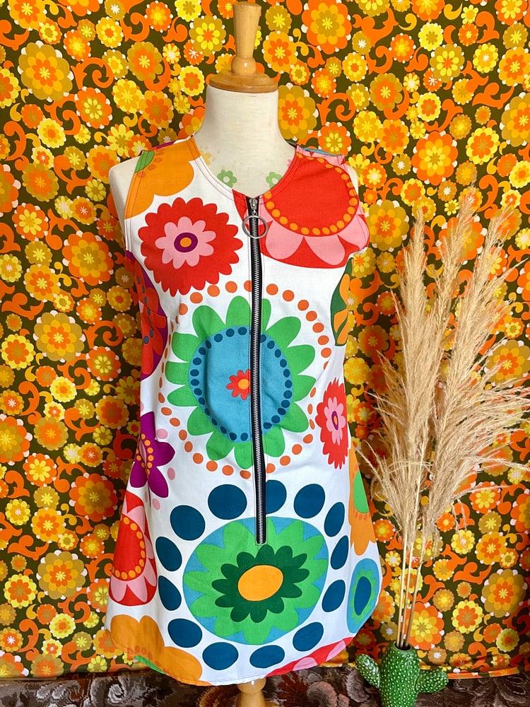 Image of The Octopus Garden Vintage Handmade 60s Zip Up Shift Dress in Flower Power