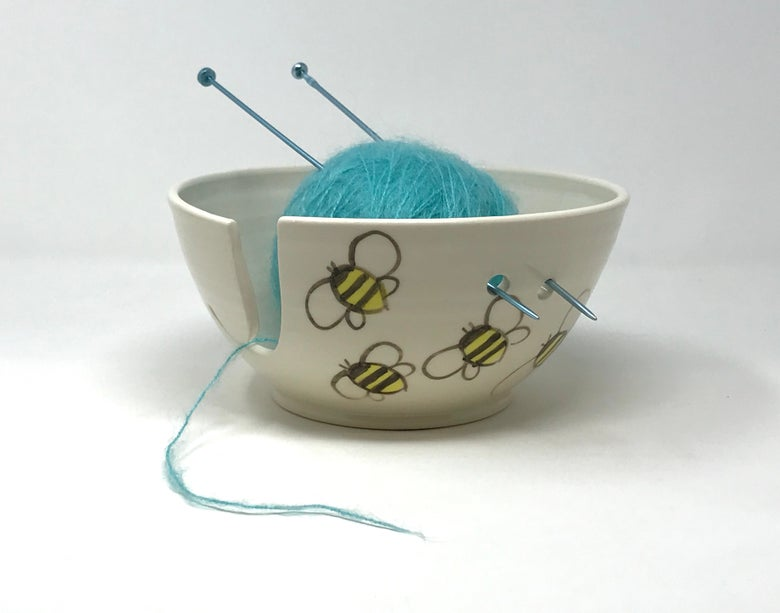 Image of Large Bee Decorated Yarn Bowl