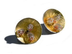 """Image of """"Golden Anemone"""" Stud Earrings Large"""