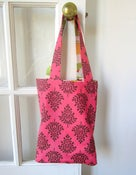 Image of Reversible Tote in Raspberry Chocolate/Birds
