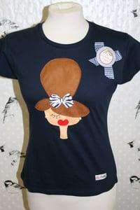 Image of Camiseta Muñeca Chic