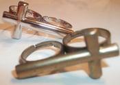 Image of Double Finger Cross Ring