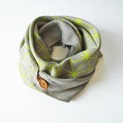 Image of Linen Button Scarf - Endive on Natural